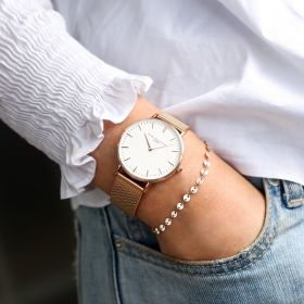 Ladies Classic Style Watch with Gold Strap and White Watch Face